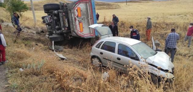 Kulu'da Tırla Otomobil Çarpıştı: 3 Yaralı