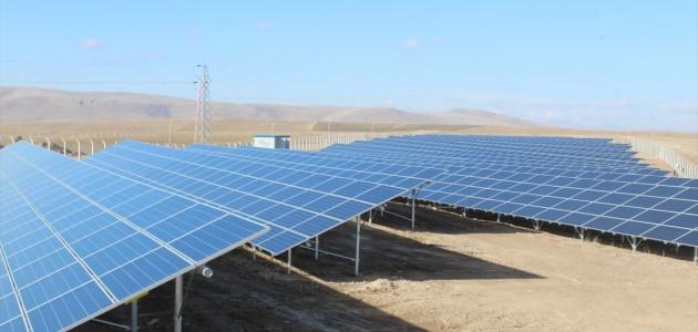 Yunak Belediyesi Dev Güneş Panellerinde Elektrik Üretiyor
