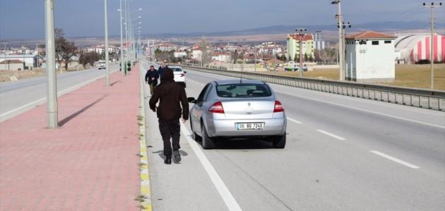Hastaneye Giden Sürücü Yolda Hayatını Kaybetti
