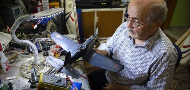 Model Uçak Tutkusu Nedeniyle Evini Atölyeye Dönüştürdü