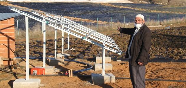 Konya'da Çiftçiler Güneş Paneli Nöbetinde