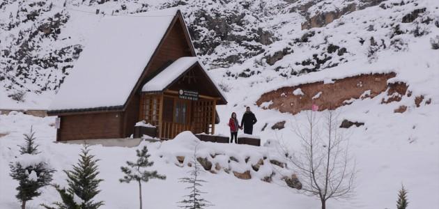 Hitit dönemine ait 3 bin yıllık tarım anıtı kar yağışıyla beyaza büründü