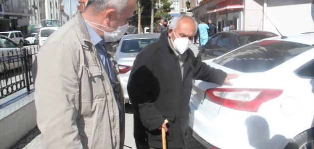 Güvenlik Görevlisinin Dikkati, Yaşlı Adamı Dolandırılmaktan Kurtardı