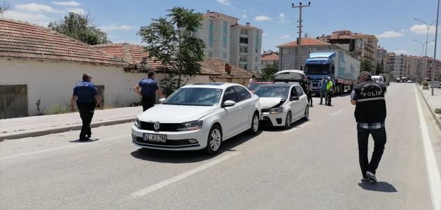 Konya'da trafikte bıçaklı, sopalı kavga: 2 yaralı