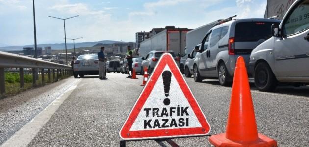 Konya'da Feci Kaza:1 Ölü, 9 Yaralı