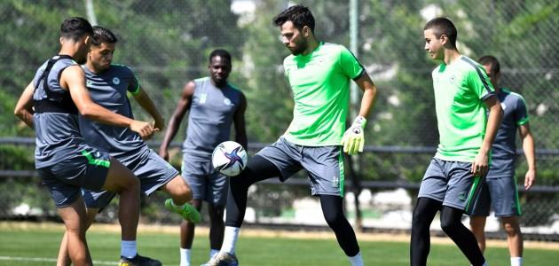 Konyaspor, yeni sezon hazırlıklarına devam etti