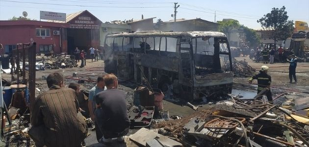 Konya'da hurda otobüste çıkan yangın