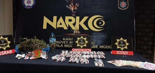 Karaman'da uyuşturucu ticareti yaptığı iddiasıyla gözaltına alınan kişi tutuklandı.